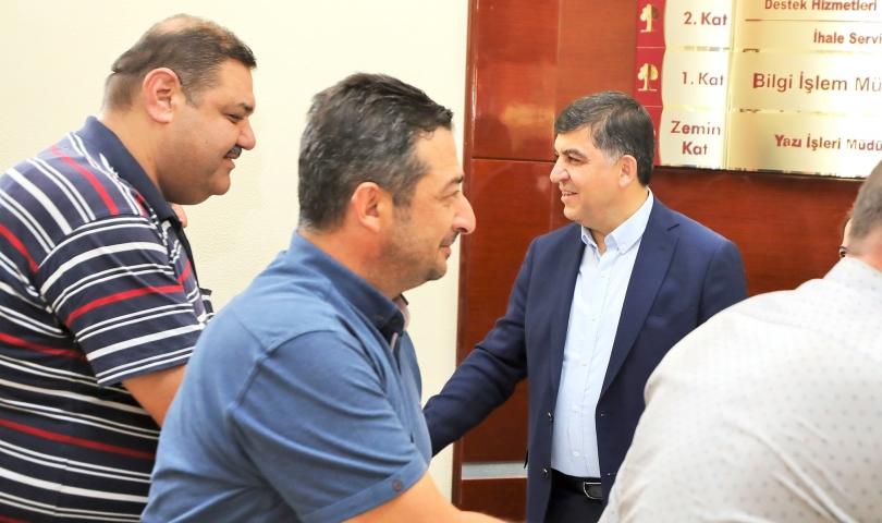 Başkan Fadıloğlu, mesai bitiminde personellerle bayramlaştı