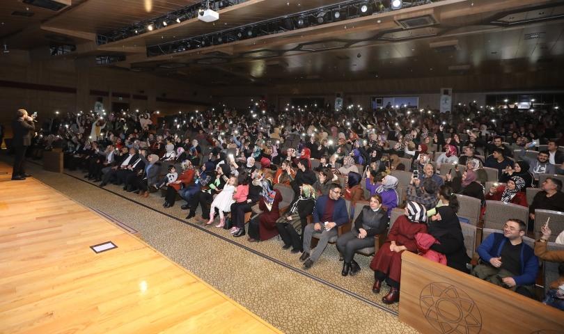Mustafa Cihat, Şehitkamil'de unutulmaz bir gece yaşattı