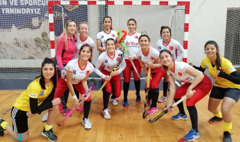 Kadın Hokeycilerimiz THF Türkiye Süper Lig Kupasına Göz Kırpıyor