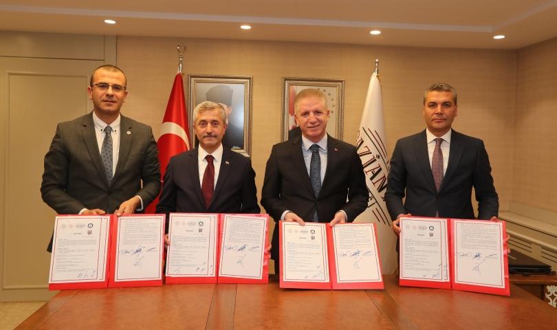 Başkan Tahmazoğlu'ndan eğitim ve spora 250 milyonluk destek