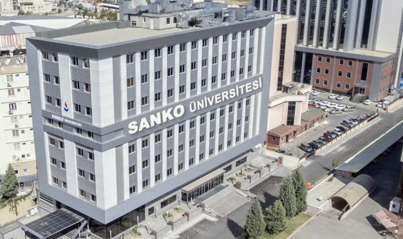 """Sanko Üniversitesi'nden koronavirüs uyarısı: """"Evde Kalın"""""""