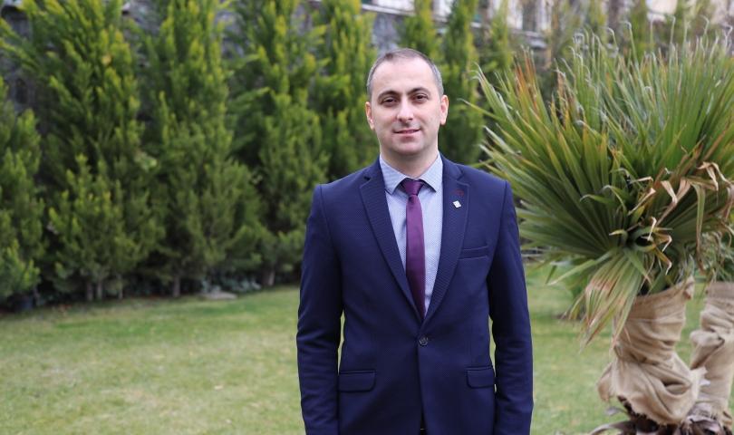 Prof. Dr. Mehmet Lütfi Yola, HKÜ ailesine katıldı